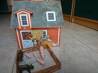 Granja maletín de Playmobil.