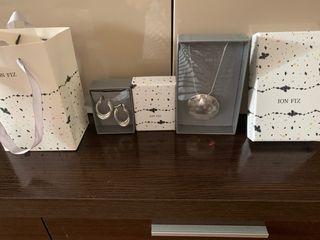 Conjunto collar y pendientes ion fiz