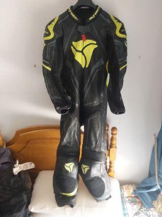 mono moto Revit talla 48