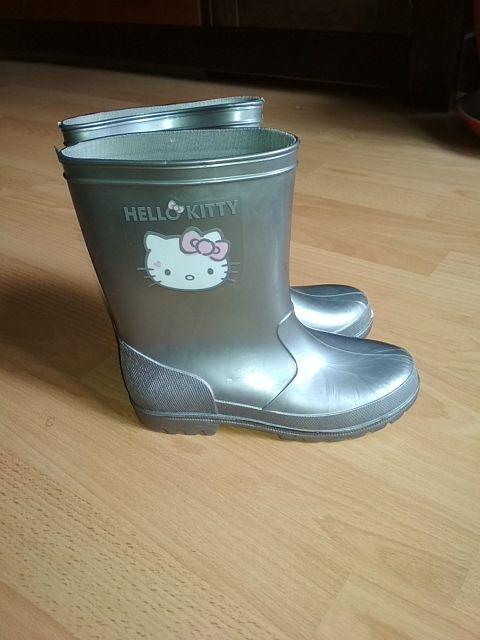 Botas de agua Hello Kitty, talla 33.