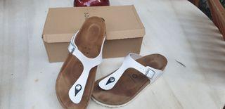 Sandalias blancas planas n°40