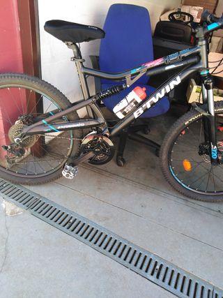 """Bicicleta de montaña. Llanta 26"""" pulgadas"""