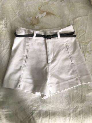 Pantalón corto de vestir Stradivarius