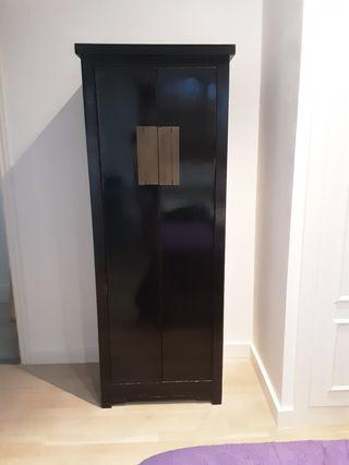 Mueble Asiatico negro con baldas