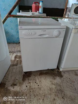 lavavajillas ZANUSSI Y CANDY
