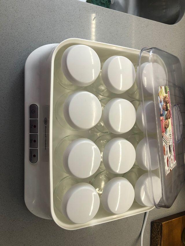Yogurtera 12 yogured