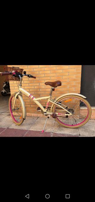 Bicicleta con cesta