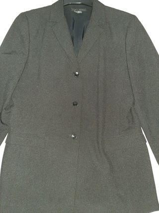 chaqueta blazer negra de Zara ,talla 40