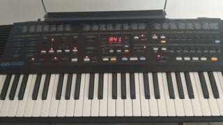 Piano electrónico Roland E-66