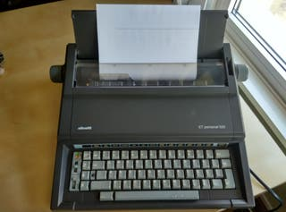 Maquina de escribir electrica vintage Olivetti ET