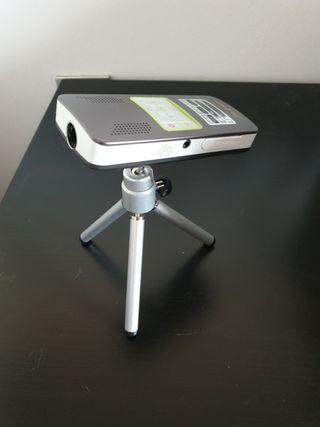 proyector mini japonés