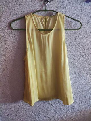 Blusa amarilla Stradivarius