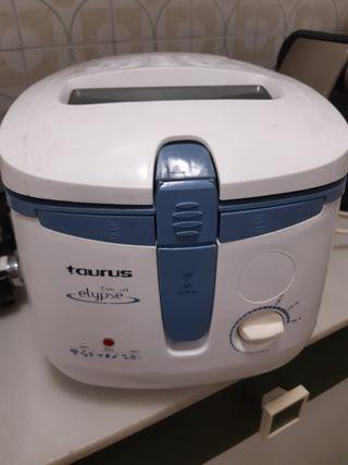 Freidora Taurus