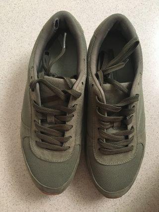 Zapatillas verde militar