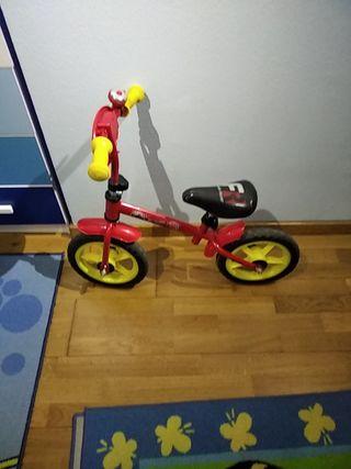bicicleta sin pedales de Cars