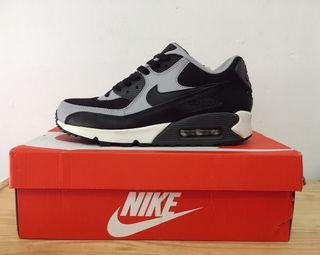 Nike Air Max 90, talla 41