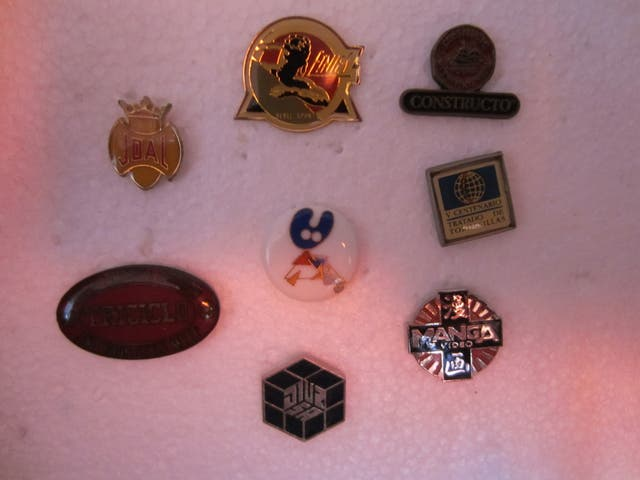 PIN PINS variados de diferentes tematicas