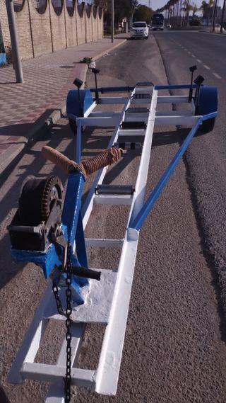 carro remolque para embarcacion de 6 metros