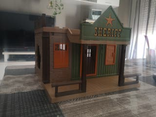 Playmobil casa del sheriff.