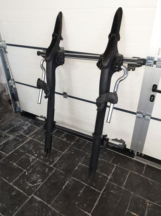Portabicicletas con barras para 2 bicis en techo.