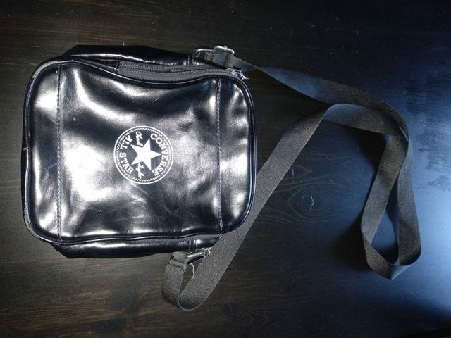 Bolso bandolera Converse negro
