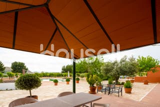 Chalet en venta de 381 m² en Calle Castilla-La Man