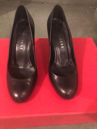 Zapatos de salón de Latouche