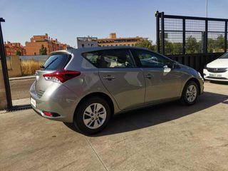 Toyota Auris 1.8 140H BUSINESS HIBRIDO