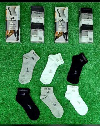 calcetines y calzoncillos de marca