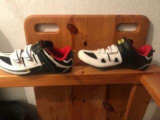 Zapatillas Shimano CX7 y Mavic