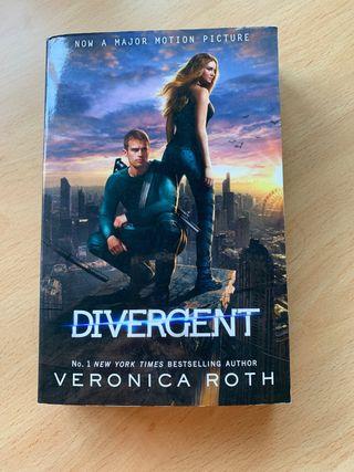 Libro 'Divergent'