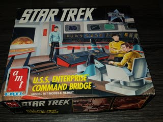 STAR TREK USS ENTERPRISE COMMAND BRIDGE