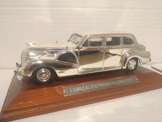 Cadillac Fleetwood V8 cromado 1:43