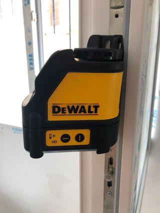 Láser DeWalt DW088 avtonivelante