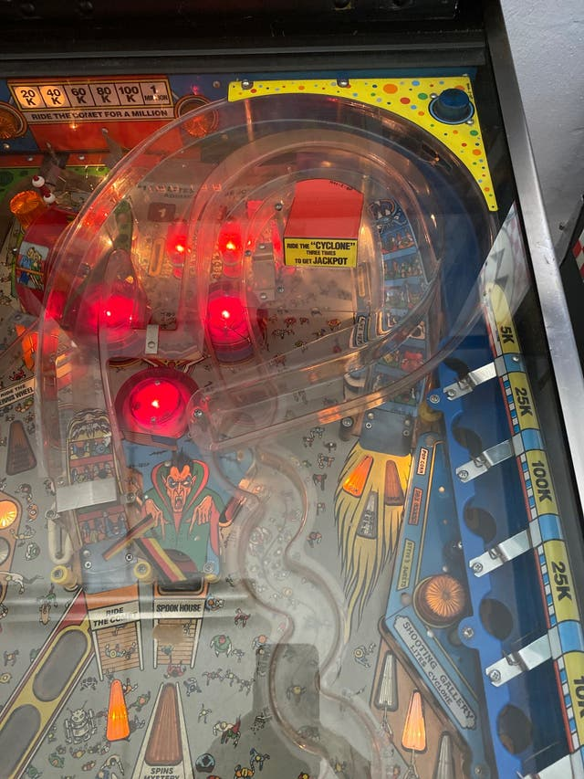Vendo Pinball Cyclone