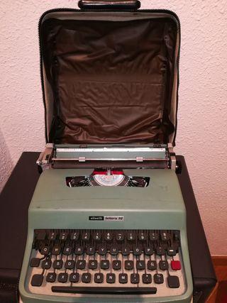 Olivetti lettera 32. Maquina de escribir