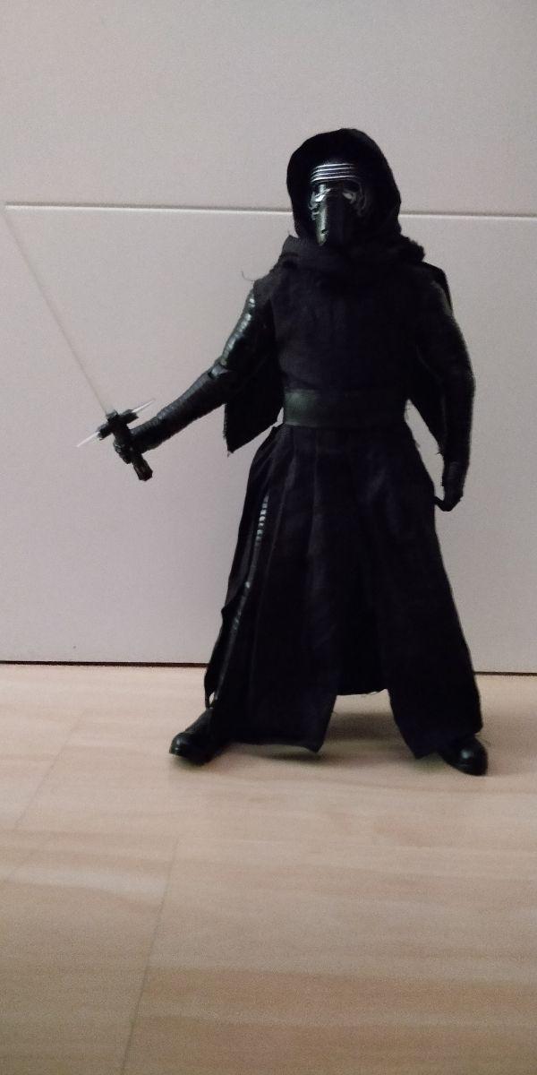 kylo Ren figura interactiva 40cm