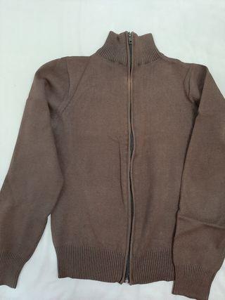 chaqueta marrón entallada
