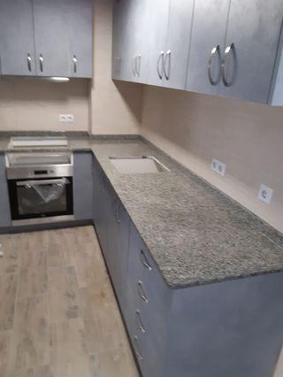 Fabricamos y instalamos encimera de cocina