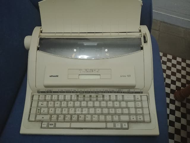 Maquina escribir vintage Olivetti