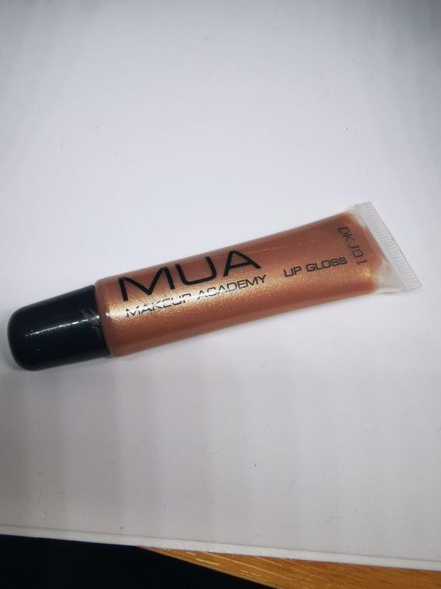 mua lip gloss (shade 3)