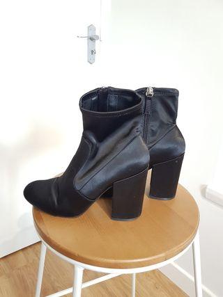 Steve Madden Women Boots Size 4