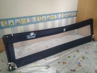 Barrera de cama plegable y abatible