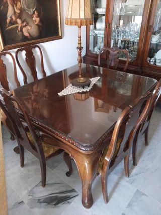 Mesa de madera antigua + 6 sillas