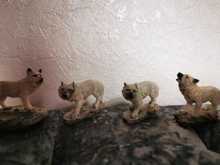 wolf collection decorations