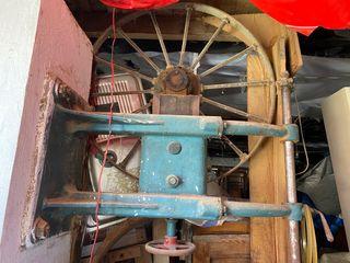 Mecanismo sierra de cinta antigua
