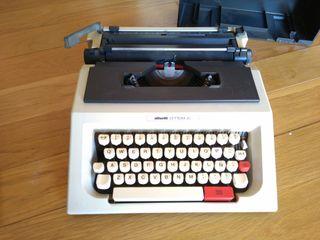 Maquina de escribir olivetti lettera 42