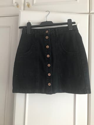 Falda jeans negra