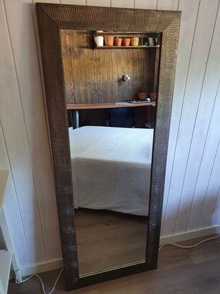 Espejo de pared plateado