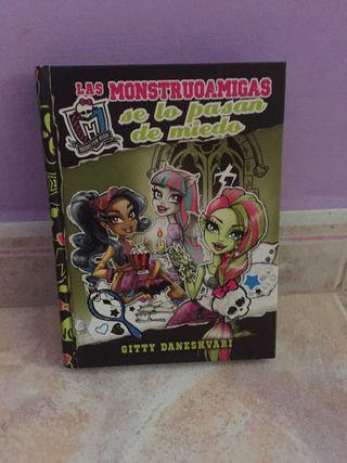 """Libro """"las monstruoamigas se lo pasan de miedo"""""""